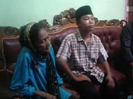 teenage boy marries woman 73 u0027after couple threatened if