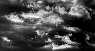 imagenes en negras por qué las nubes se ponen negras cuando va a llover descrúbrelo aquí