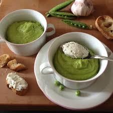 cuisine froide la cuisine claudine soupe froide de petits pois et sa quenelle de