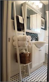 Storage Ideas For Bathroom by Best 25 Decorative Bathroom Towels Ideas Only On Pinterest