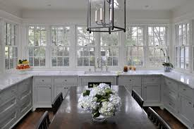 no cabinets in kitchen the peak of très chic kitchen trend no upper cabinets