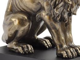 metal lion statue bronze sitting lion sculpture classic sitting lion statue