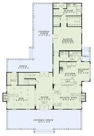 farmhouse style house plan 3 beds 2 50 baths 2607 sq ft plan 17
