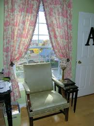 Toile Rugs Maison Decor Musical Chairs And Drapes And Cabinets