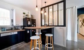 une plume dans la cuisine décoration esprit atelier dans la cuisine limoges 2313 une