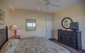floor master bedroom 297 moon shadow vacation rentals corolla