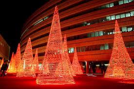 christmas light decoration company o holy lights christmas displays from around the world slide 2
