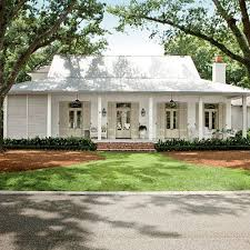 Southern Style Homes by Best 25 Southern Home Decorating Ideas On Pinterest Southern