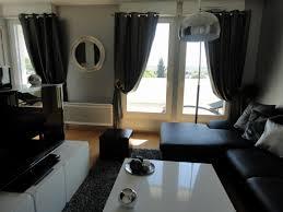 decoration cuisine noir et blanc modele cuisine noir et blanc rideaux pour salon noir et blanc