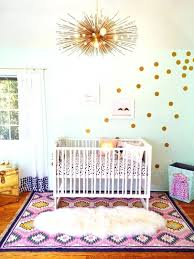 stickers chambre bébé disney stickers muraux chambre bebe stickers muraux pois doracs dans une