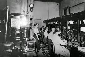 20 vintage photos of women telephone operators at work vintage