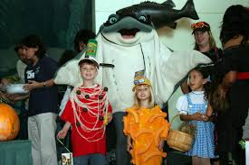 Halloween Costume For Family Of 4 by Win Scarium On The Pacific Tickets On Oct 25 U0026 26 Macaroni Kid