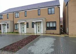 3 Bedroom House For Sale In Chafford Hundred 3 Bedroom Property To Rent In South Ockendon Zoopla