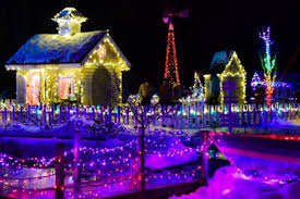 Family Dollar Christmas Lights Best Small Towns For Christmas Lights Reader U0027s Digest Reader U0027s