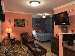 400 sq ft studio pompano beachfront vacation rental is a lar vrbo