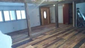 Vinyl Plank Wood Flooring Vinyl Plank Wood Look Floor Versus Engineered Hardwood Hometalk