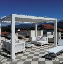 tettoia autoportante pergola bioclimatica autoportante in alluminio con tettoia a lame