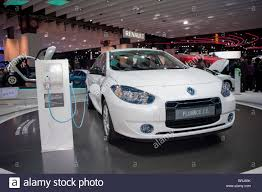 renault fluence ze paris france paris car show renault electric cars fluence z e