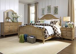 4 Poster Bedroom Set Furniture Harbor View 4 Piece Poster Bedroom Set In Sand