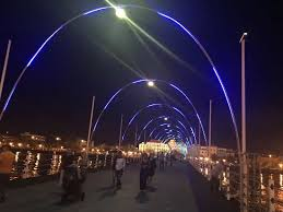 led light show picture of pontoon bridge willemstad