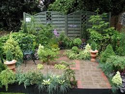 small courtyard garden design ideas