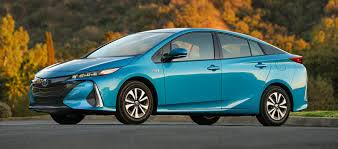 hydrogen fuel cell car toyota toyota is planning long range battery powered electric cars for