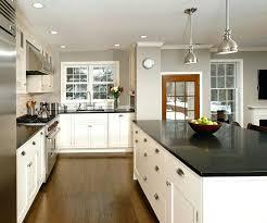 cuisine blanc noir cuisine blanche et image pite cuisine cuisine blanc noir bois