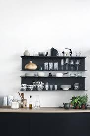 pour la cuisine étagère cuisine en bois vintage scandinave graphique côté