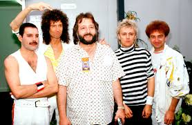 queen with tour manager gerry stickells 1986 jpg