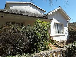 Kensington Johannesburg Golden Oldie Home With Furniture - Home furniture auctions