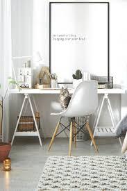 grand bureau blanc 30 idées pour aménager un coin bureau dans un petit salon bureaus