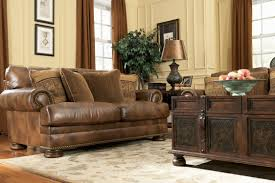traditional living room ideas with leather sofas best 25 leather