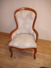 fauteuil ancien style anglais réfection de sièges passepoil clous et large choix de tissus
