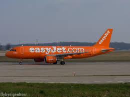 file g ezui airbus a320 214 a320 ezy 25753156755 jpg