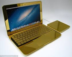 Macbook Emas The Ultimate Midas Touch The 24 Carat Gold Macbook Pros Complete