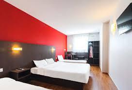 chambre hotel b b hôtel b b pau lescar à lescar 64 hébergements