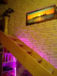 deco mur pierre eclairage mur en pierre lumière led décoration intérieure home