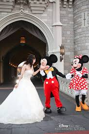 25 ideas mickey minnie inspired disney themed wedding