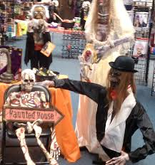 halloween store closed costumes 410 e altamonte dr