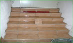 treppe mit vinyl bekleben geflieste treppe holz verkleiden