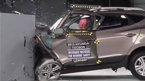 2013 hyundai tucson mpg iihs 2013 hyundai tucson ix35 small overlap crash test poor