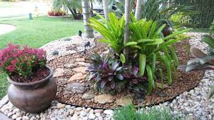 landscaping with rocks or wood chips design and ideas