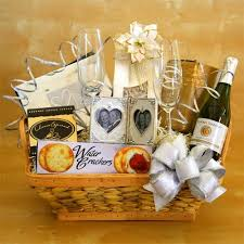 honeymoon gift 40 best honeymoon basket images on groom wedding