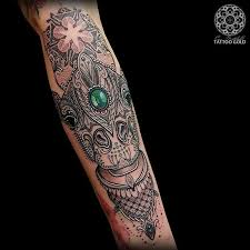 Giraffe Tattoos Meaning 20 Fabulous Mosaic Tattoos Pictures And Ideas Golfian Com