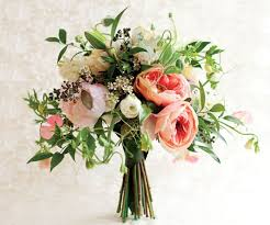 wedding flowers types the 6 most popular types of wedding bouquets