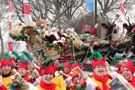 at the philadelphia thanksgiving day parade santa claus mrs