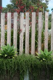 best 25 timber fencing ideas on pinterest tuin fence lighting
