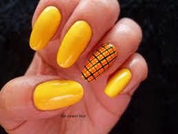 fife fantasi nails tartan nail design in sunshine