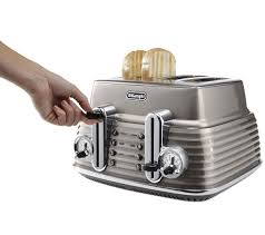 Toaster And Kettle Set Delonghi Buy Delonghi Scultura Ctz4003bg 4 Slice Toaster Champagne Free