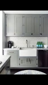 Black And White Tile Kitchen Backsplash by We Love This Classic Kitchen Backsplash Using White Subway Tile